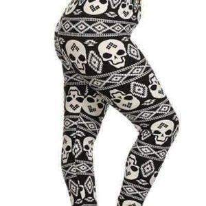 5ff01db16a937 Women Plus Size Skull Leggings on Poshmark